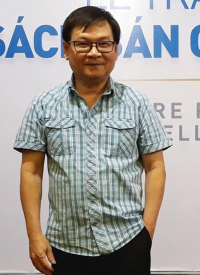 Nhà văn Nguyễn Nhật Ánh tại lễ trao giải của NXB Trẻ sáng 19/3/2018