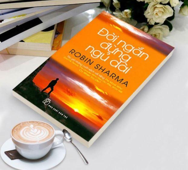 Ruby Ngọc review sách Đời Ngắn Đừng Ngủ Dài - Robin Sharma