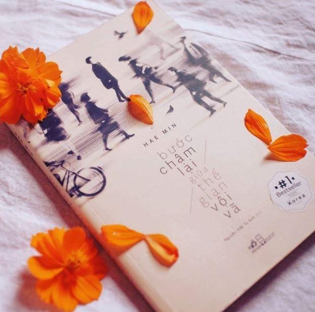 Hoa Cúc review sách Bước Chậm Lại Giữa Thế Gian Vội Vã - Hae Min