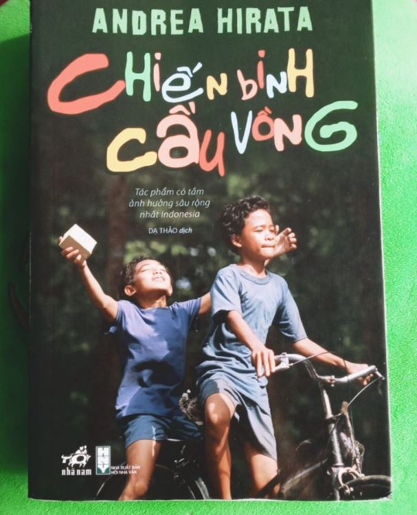 Nguyet Anh review sách Chiến Binh Cầu Vồng - Andrea Hirata