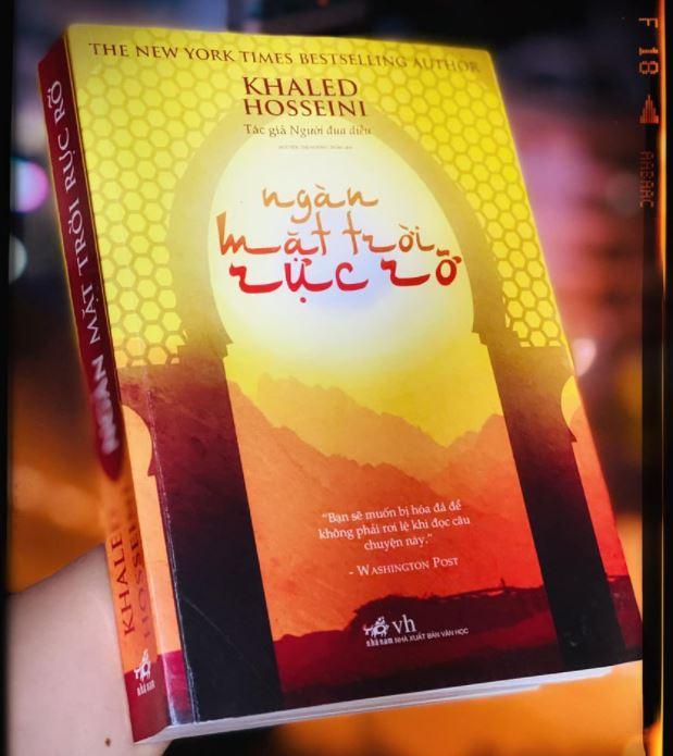 Tran Ngoc Mai review sách Ngàn Mặt Trời Rực Rỡ - Khaled Hosseini